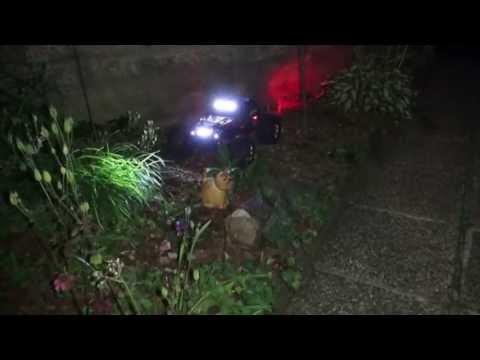Traxxas Summit: Nighttrail through the garden :)