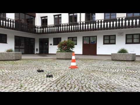 Arena Challenge mit ferngesteuerten Autos - Wer hat gewonnen?