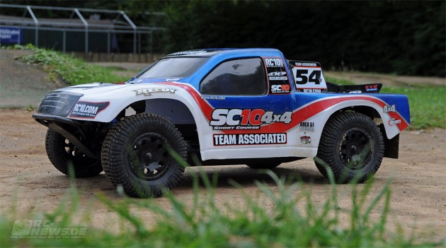 Team Associated SC10 4×4 Track Test